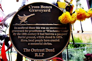 1 Memorial plaque at the gates - photo (c) Max Reeves